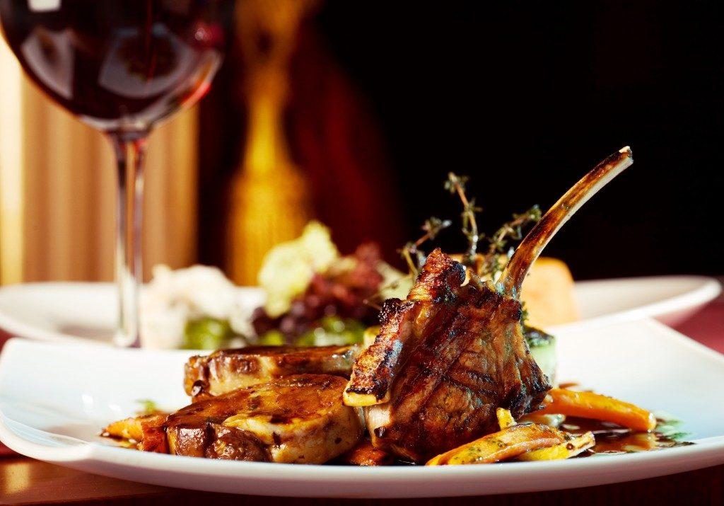 rib served in restaurant